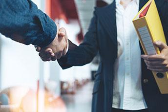 5 conseils pour manager des personnes plus âgées que vous