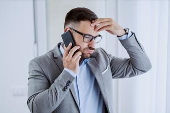 4 conseils pour gérer un interlocuteur bavard au téléphone